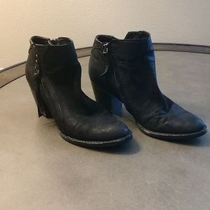 Dolce Vita black ankle boots size 6